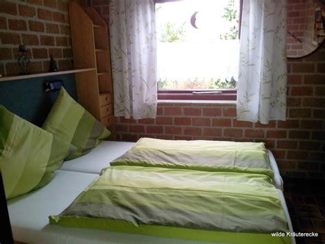 kleines doppelbett ausstattung des ferienhauses in ferienhaus in