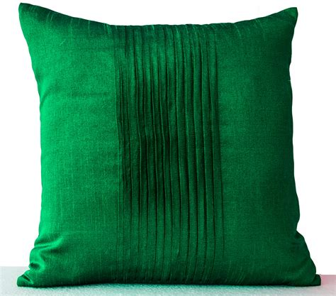decorative pillow for throw pillows in emerald green