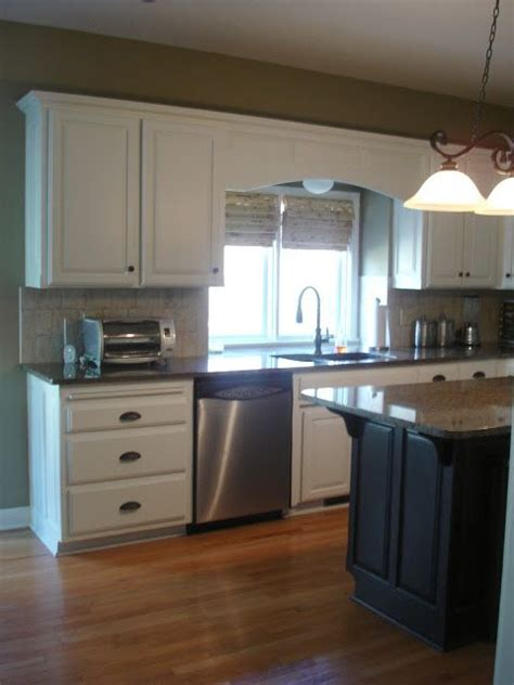 alabaster white kitchen cabinets pin by fligiel cooper on kitchens