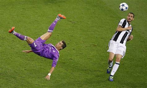 ronaldo juventus kick soccer real triumph again as ronaldo sinks juventus today