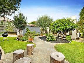 Fencing Ideas For Backyards Australian Native Garden Design Using Grass With Gazebo