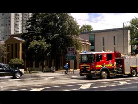 youtube movietube on fire youtubeonfire november 2015 fire truck responding melbourne nov 2015 to afa youtube