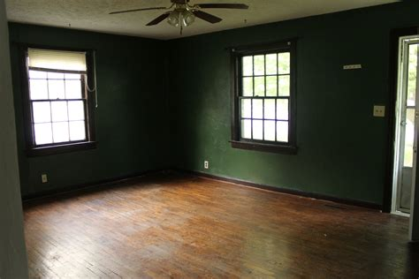 hunter green bedroom walls 28 green wall paint olive green wall paint galleryhip