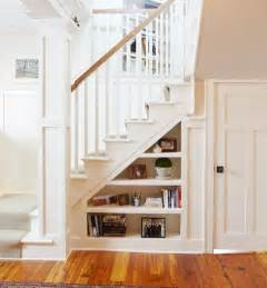 Staircase Shelf 25 Best Ideas About Staircase Bookshelf On Pinterest