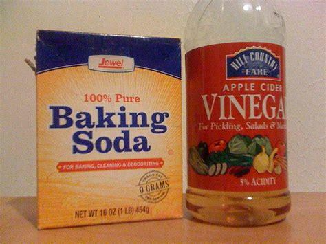 vinegar and baking soda to clean bathtub baking in the bathroom baking soda and vinegar