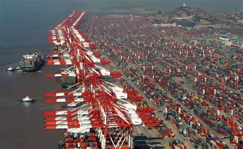 shanghai container terminal marine vessel traffic