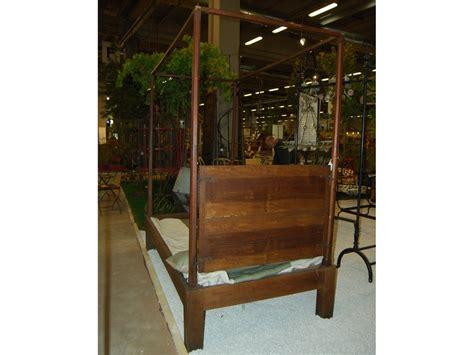 letti a baldacchino antichi letto antico a baldacchino in legno di noce catalogo