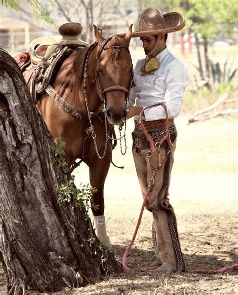 fotos de vaqueros a caballo guapo hay dios estos charros me est 225 n matando