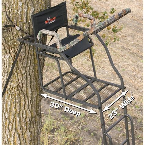 big treestands 20 the ultra max deluxe ladder stand from big 174 treestands 167461 ladder