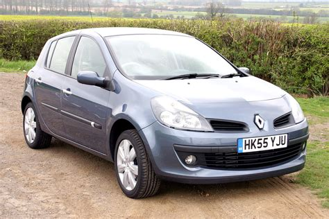 renault hatchback from the renault clio hatchback 2005 2012 photos parkers