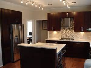chocolate brown kitchen cabinets chocolate brown kitchen ideas quicua com