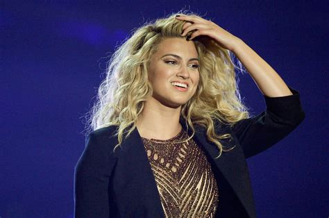 Breakout star Tori Kelly sets Houston date   Beaumont