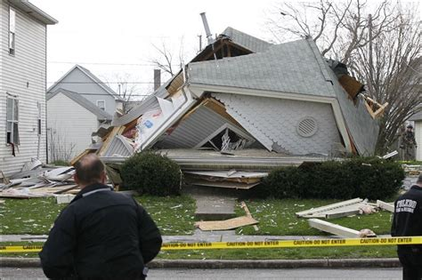 saint to help buy a house crews respond to collapsed house in north toledo toledo blade