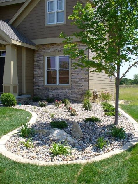 rock backyard landscaping ideas best 25 river rock landscaping ideas on