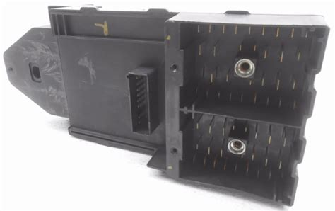 stock ford   expedition cabin fuse box wo relays  cover alpha automotive
