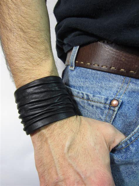 sculpted unisex black leather cuff bracelet mens