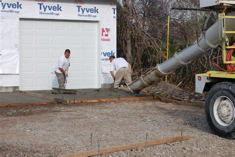 How To Lay A Concrete Slab For A Shed by Lay Concrete Pour And Finish Concrete Slab For Storage Sheds