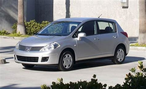 2007 nissan versa hatchback 2007 nissan versa hatchback pictures information and