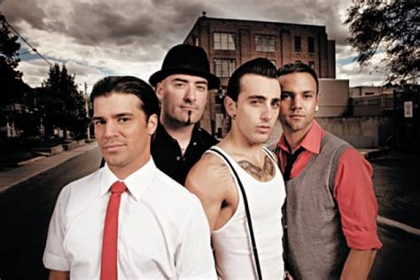 How Hedley Did A venue 808 superstars of the moment hedley