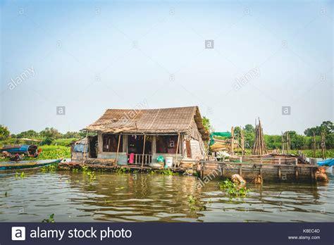 floating boat photo floating house and houseboat stock photos floating house