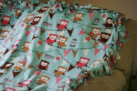 Make Fleece Tie Blanket by How To Make Tie Fleece Blankets 29 Tutorials Guide Patterns