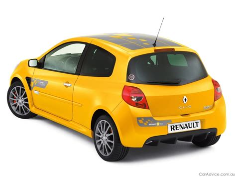renault clio sport 2009 renault clio sport f1 team r27 at mims photos 1 of 4