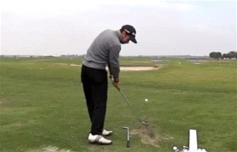 left shoulder pain golf swing should your shoulders be closed or open at impact in the