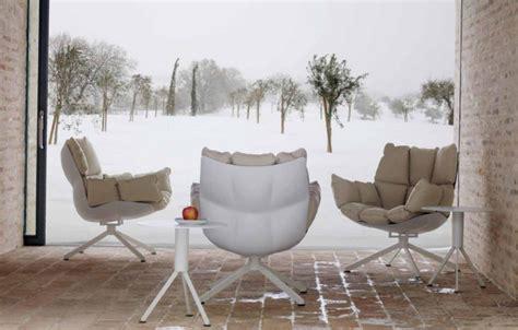 Design Schaukelstuhl Stefania Vola Liegt Im Zeitgeist Designer Sessel Husk In Drei Versionen Indoor Outdoor