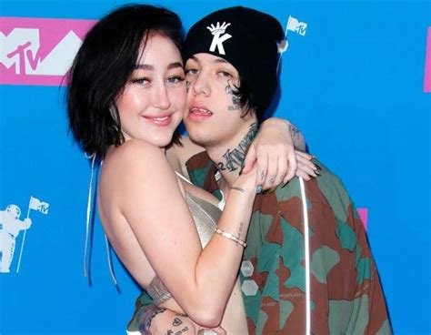 noah cyrus and lil xan music video noah cyrus and lil xan pack on the pda at the 2018 mtv