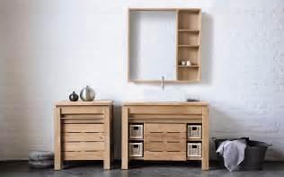 armoire salle de bain en bois