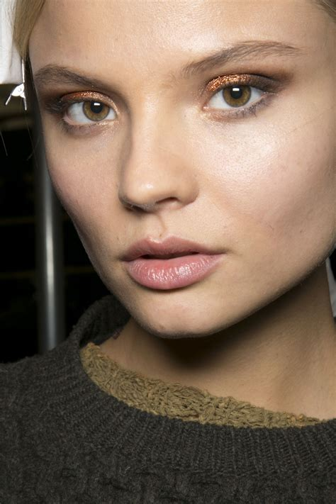 blush trend everyone can wear how to wear the metallic makeup trend stylecaster