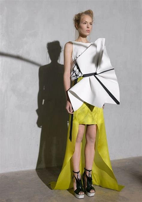 Origami Fashion Designers - origami fashion sculptural dress with 3d fabric