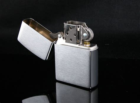 Zippo Brushed Chrome 200 buy 200 brushed chrome by zippo in india