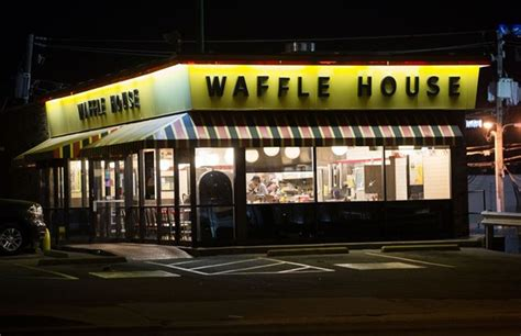 shooting at waffle house cook injured in waffle house shooting
