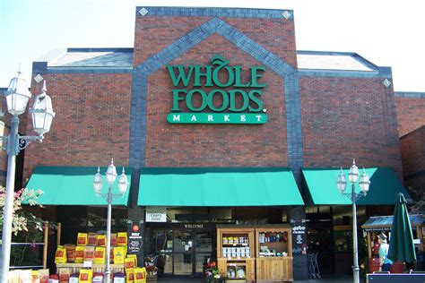 new little rock whole foods gets official open date