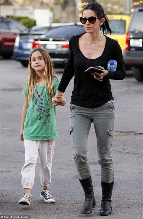 courteney cox daughter coco make up free courteney cox takes daughter coco out for a