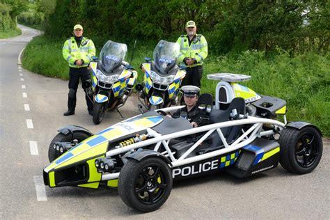 Schnellstes Polizeiauto Der Welt by Dienstwagen Das Ist Das Schnellste Polizeiauto Der Welt