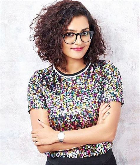 haircuts curly hair indian 54 best south indian hairstyles for cool girls images on