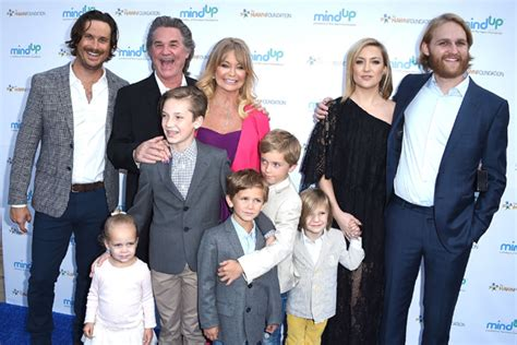 oliver hudson and family kate hudson spends christmas in aspen with her whole