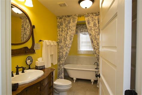 bed bath and beyond tuscaloosa bama bed and breakfast 1823 capstone suite bama bed breakfast