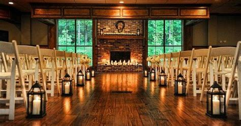 Wedding Aisle Lined With Lanterns by Aisle Lined With Lanterns For A Charming And Cozy Indoor