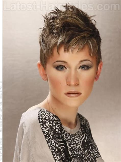 pixie cut with razor comb 107 best images about woman s hair on pinterest comb