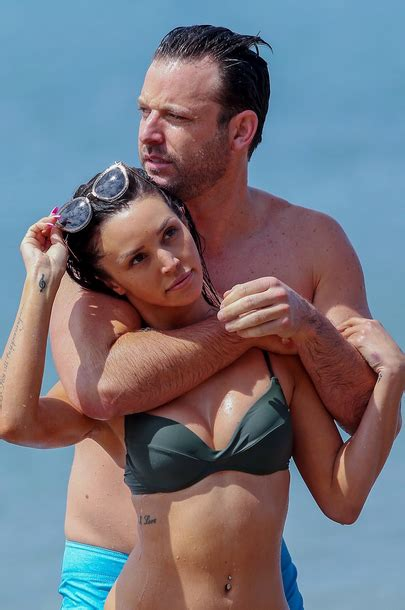 how does sheena from vanderpump rules curl her hair vanderpump rules star scheana shay enjoys the beach with