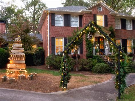 homes decorated for christmas outside christmas outdoor decorations interior design styles and color schemes for home decorating hgtv