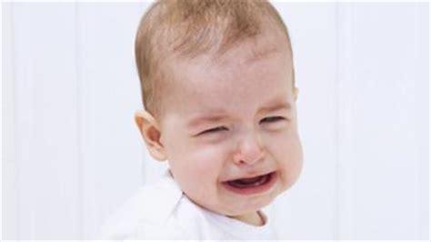 wann zahnt baby hilfe mein baby zahnt babywelten ch