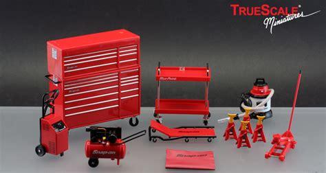 Garage Essentials by Truescale Miniatures Snap On Garage Essentials Tsm07001