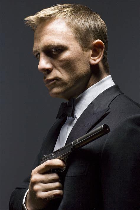 James Bond Daniel Craig James Bond 007 Wiki | christopher uvenio collezioni who was the greatest james