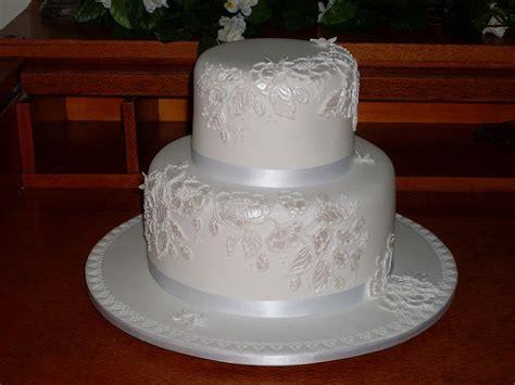 Two Tier Wedding Cake Sizes