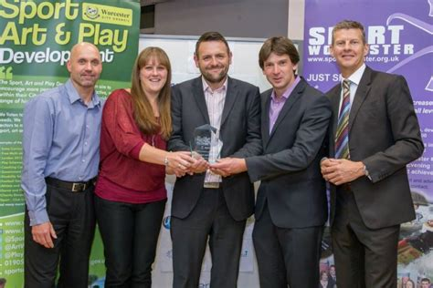 City Of Worcester Records Club Receives Award At The 2015 City Of Worcester Sport Awards Black Pear Joggers