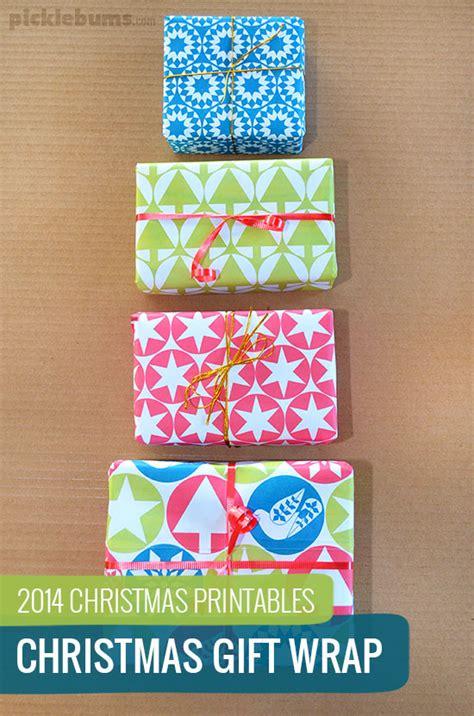 free printable christmas gift wrap picklebums